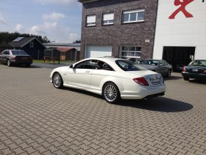 Mercedes CL63 AMG 3