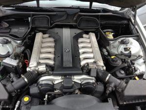 E38 BMW 750 IL V12 4