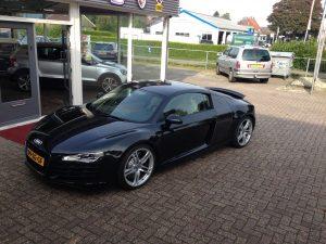 Audi R8 420HP V8 FSI R-tronic