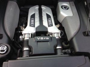 Audi R8 420HP V8 FSI R-tronic 6