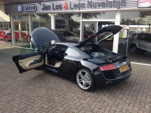 Audi R8 420HP V8 FSI R-tronic 9