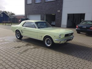 1966 Ford mustang 5