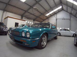 Jaguar XJR x300 fron side
