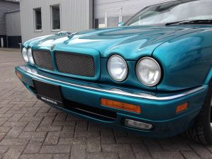 Jaguar Xjr x300 front nose view