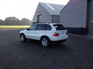 BMW X5 e53 4.4i V8 white rear side