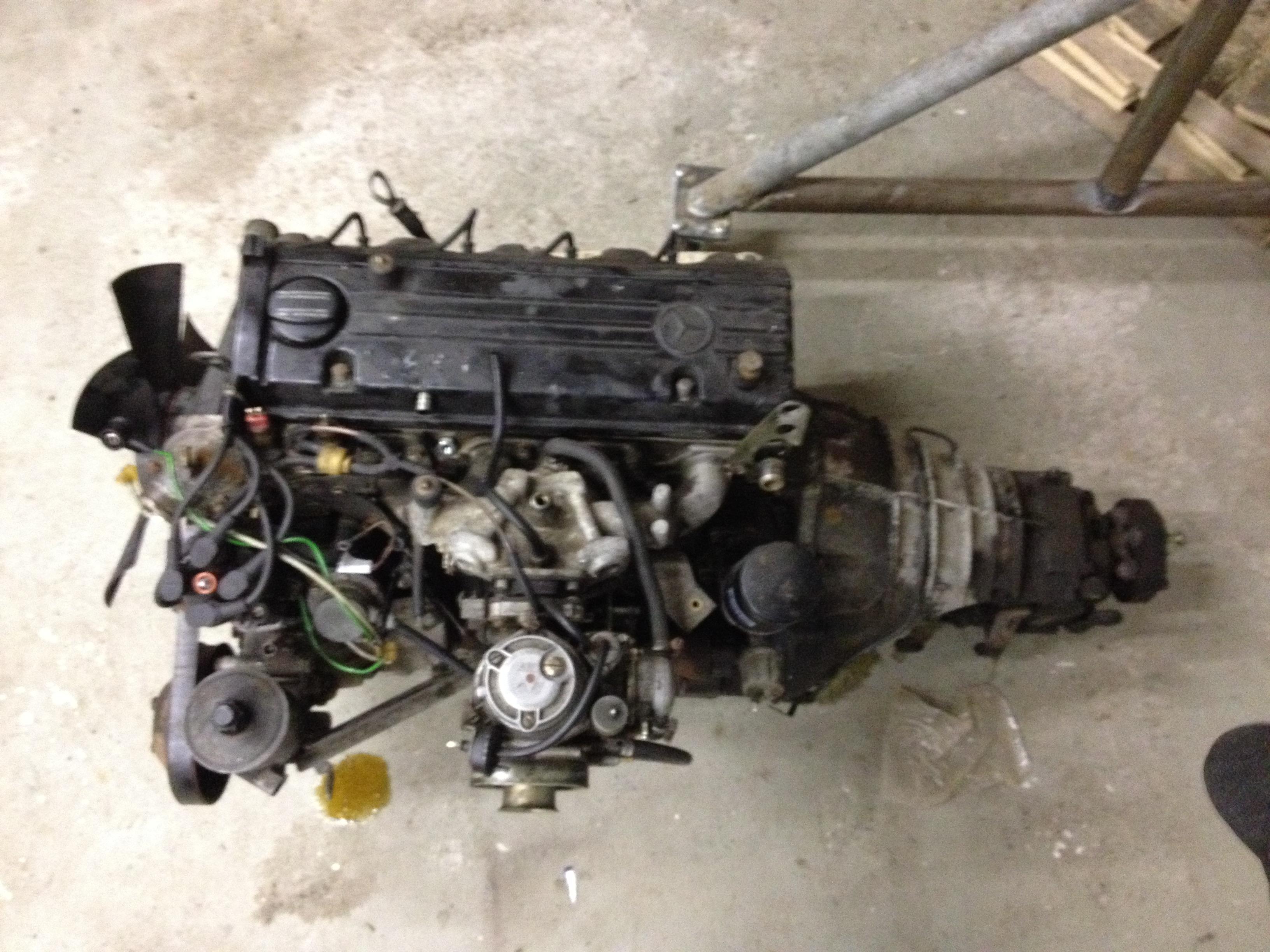 Mercedes 190 V12 project both engine's are out - JMSpeedshop !