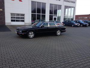 Jaguar XJR X300 2