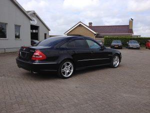 Mercedes E55 AMG W211 10