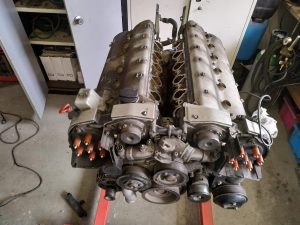 V12 Top engine gasket overhaul 3