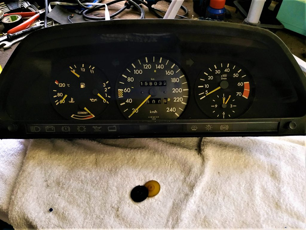 W126 Speedometer Gear repair