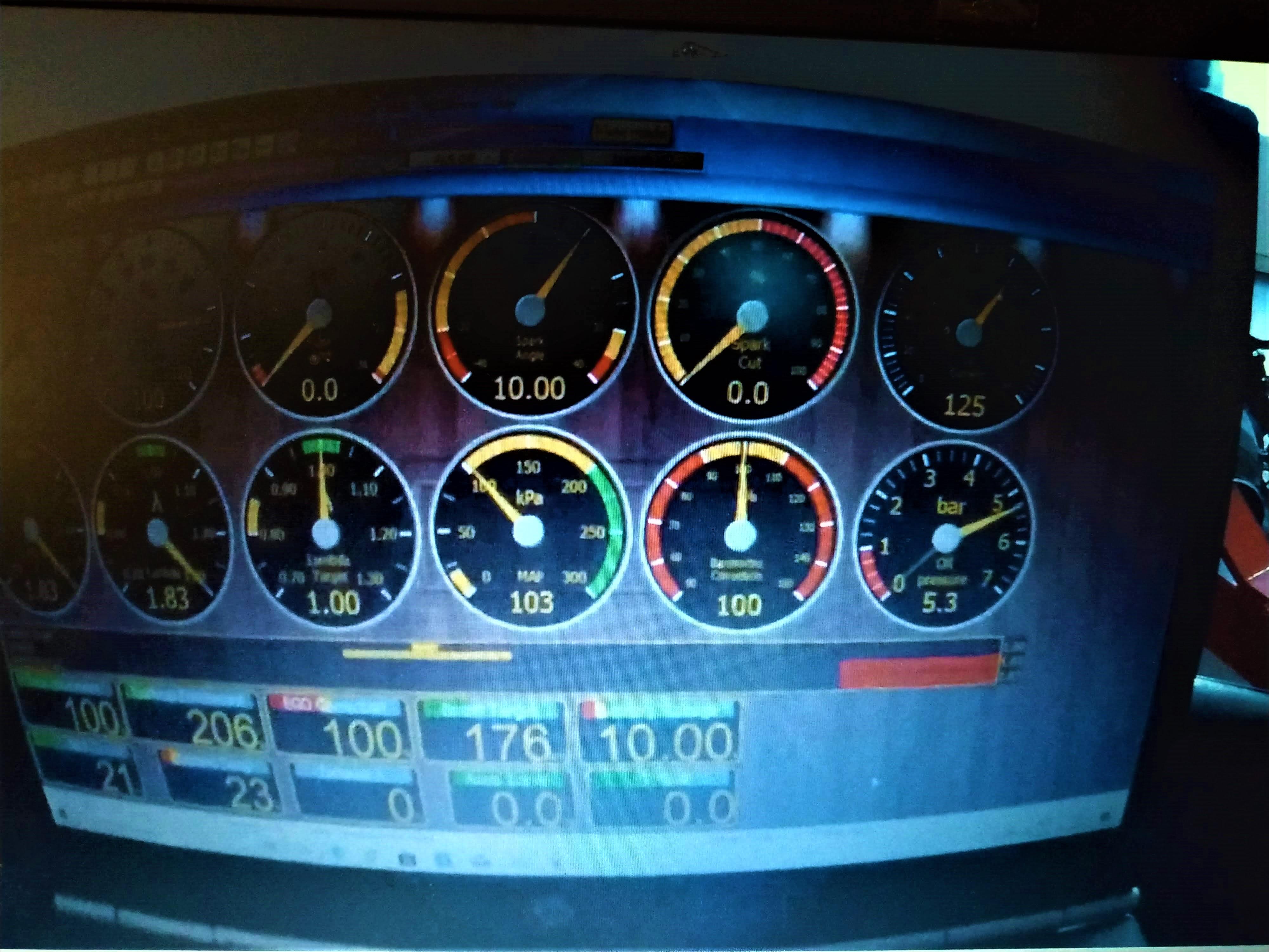 W201 V12 VEMS ECU configuration and oil pressure testing 1