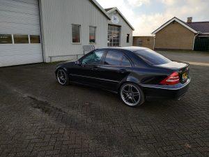 Mercedes C32 AMG 10