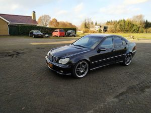 Mercedes C32 AMG 9