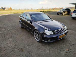 Mercedes C32 AMG 8