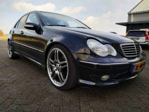 Mercedes C32 AMG 5