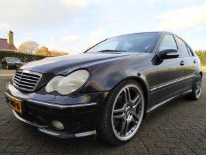 Mercedes C32 AMG 4
