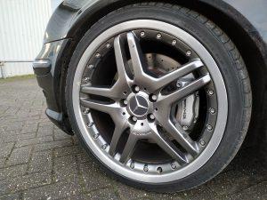 Mercedes C32 AMG 2