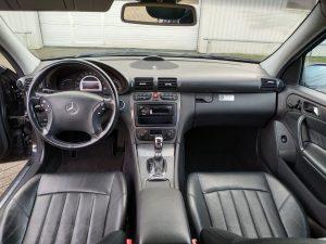 Mercedes C32 AMG 1