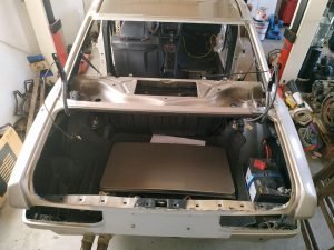 W201 V12 prepare the car for painting 2