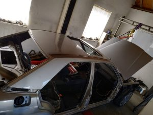 W201 V12 prepare the car for painting