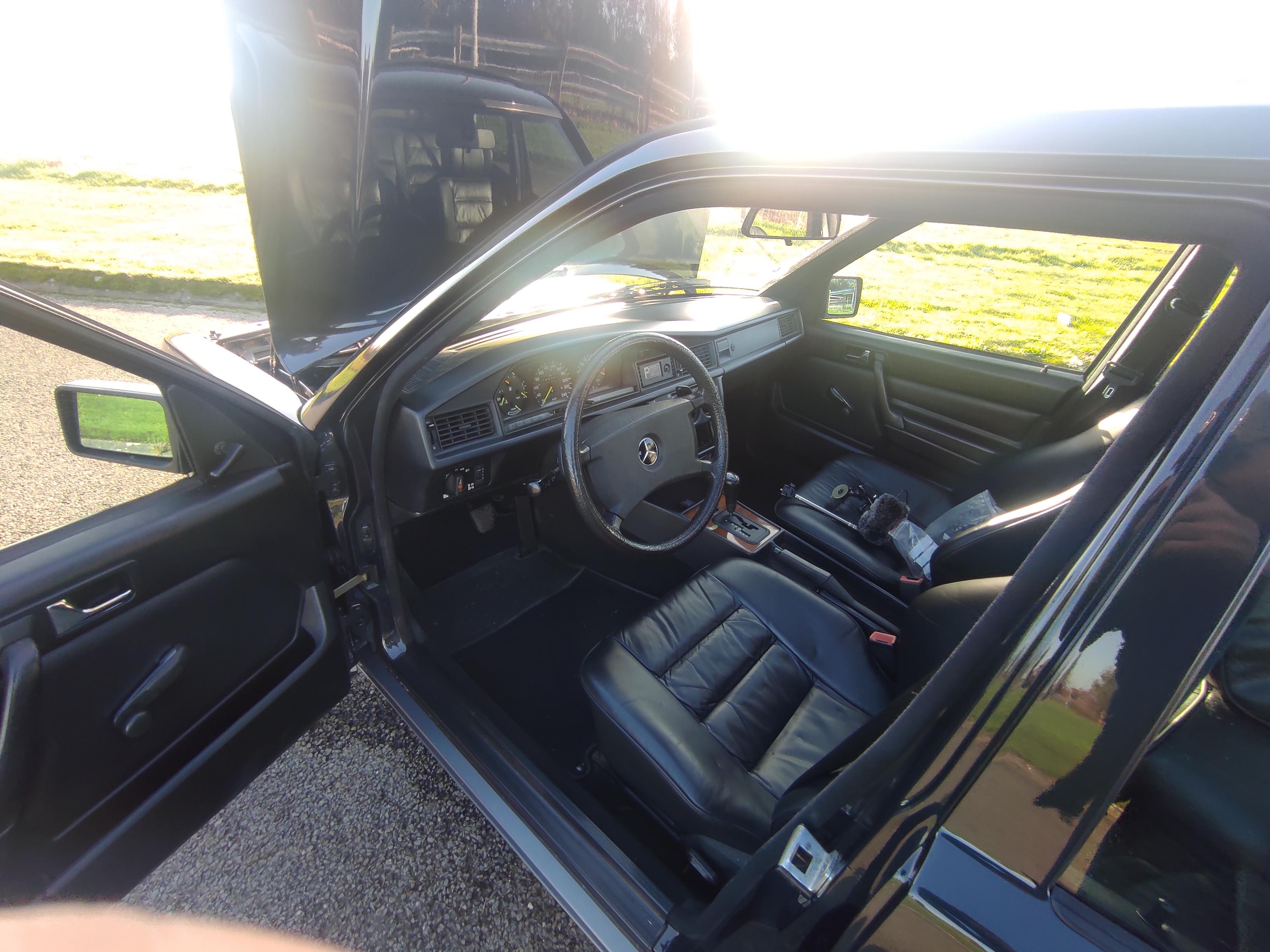 Mercedes 190 V12 Review & Testdrive 3