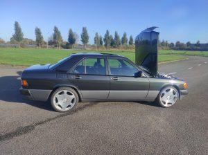 Mercedes 190 V12 Review & Testdrive 6