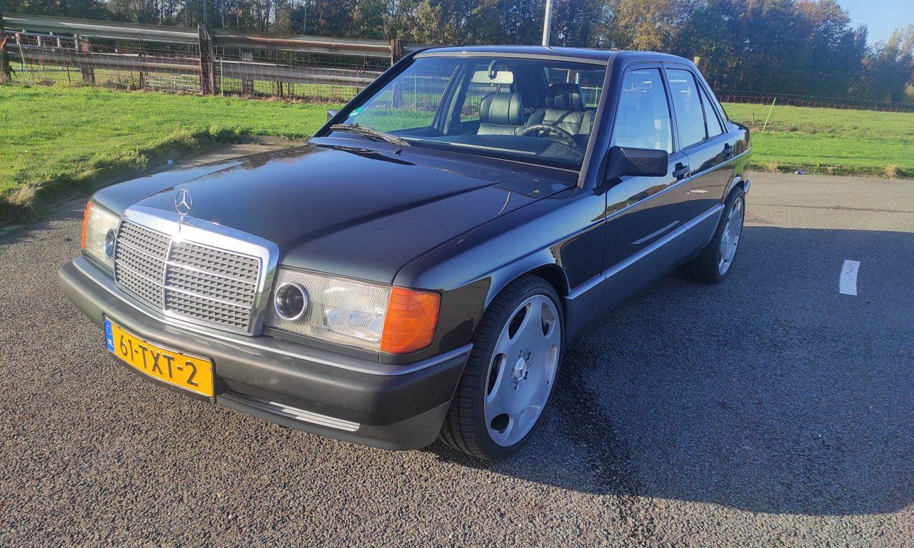 Mercedes 190 V12 Review & Testdrive 13