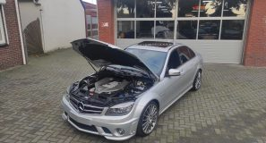 That Sound !!!! Mercedes C63 AMG P30 Performance pack