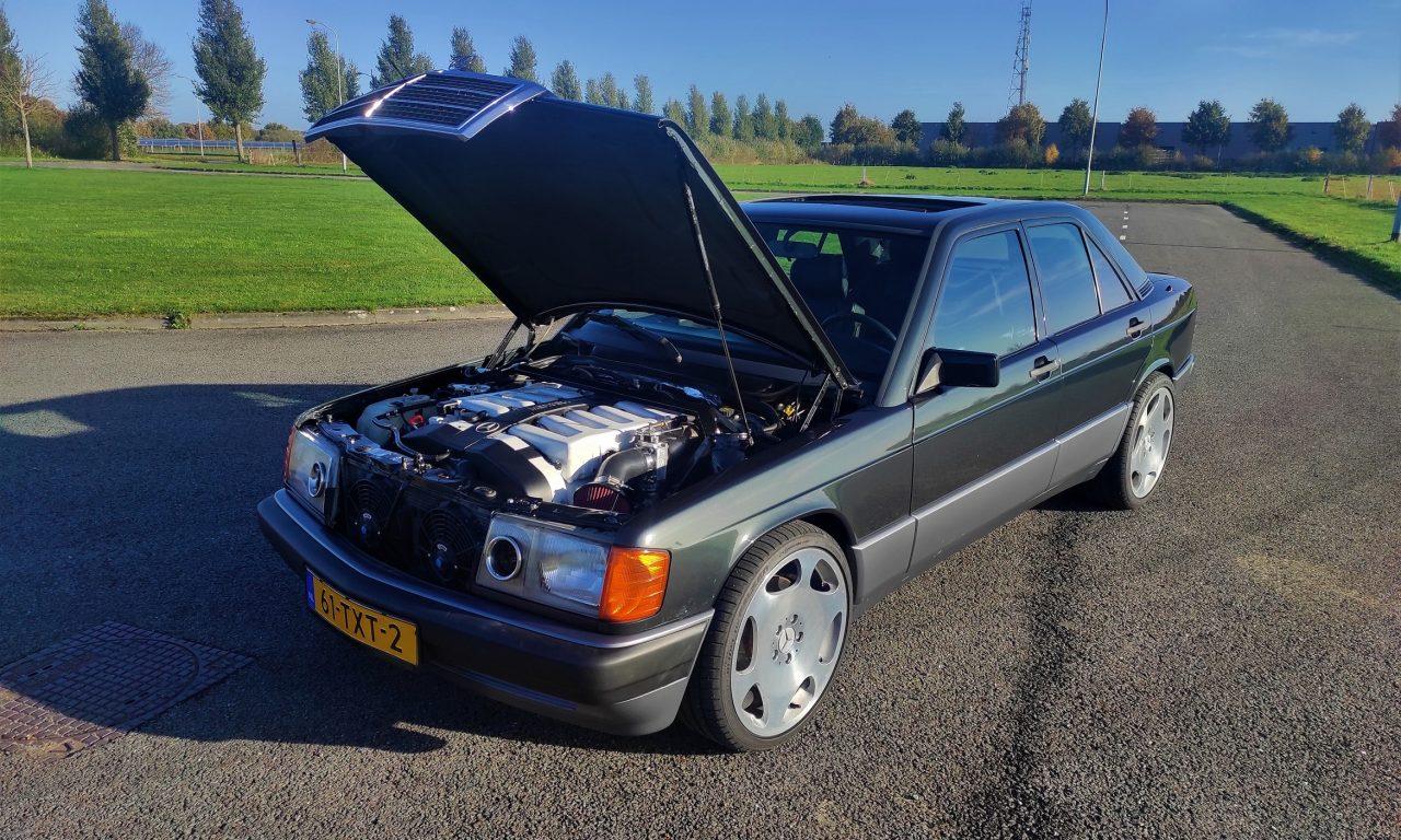 Mercedes 190 V12 Review & Testdrive 24