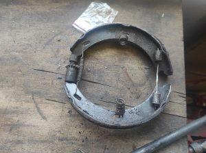 Rear Wheel hub rebuild + new brake parts S124 V8 Turbo 2