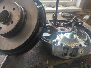 Rear Wheel hub rebuild + new brake parts S124 V8 Turbo 6