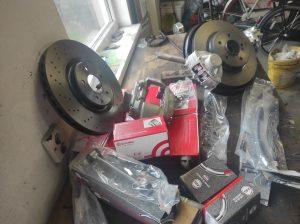 Rear Wheel hub rebuild + new brake parts S124 V8 Turbo 7