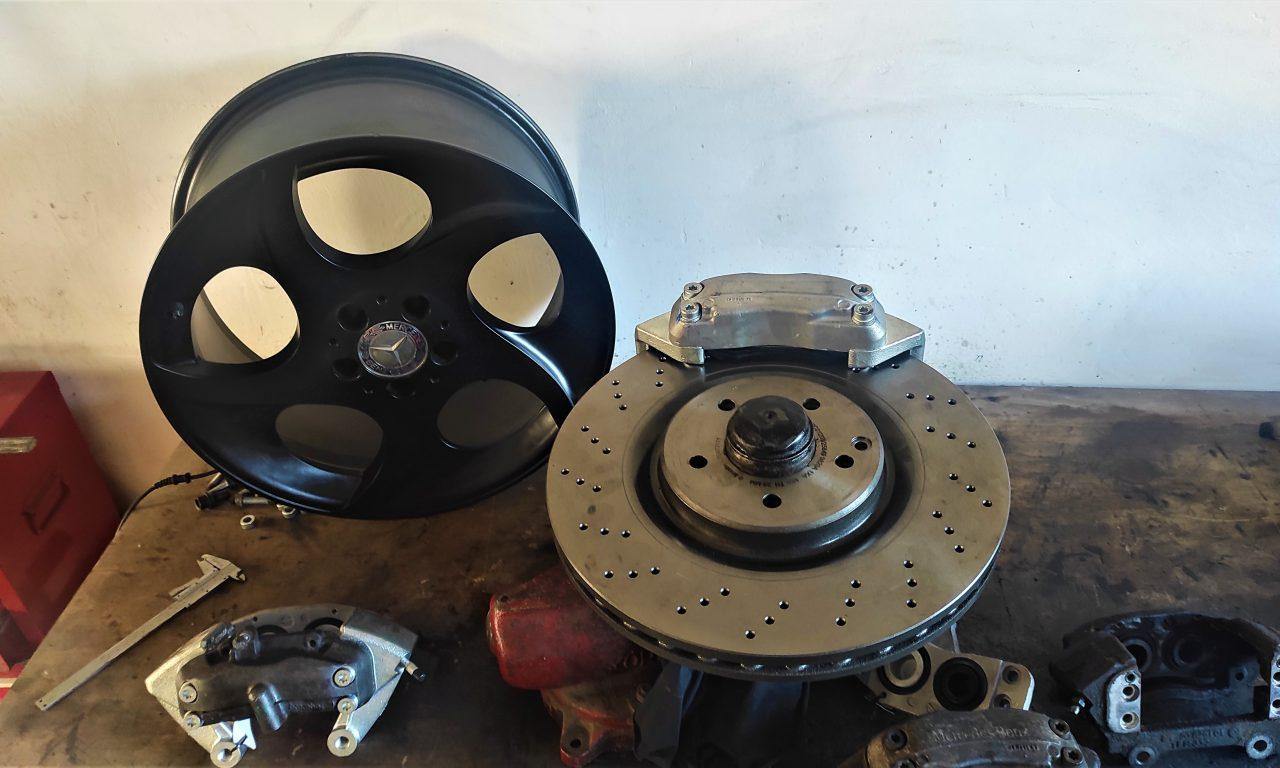 Big Brakes for the S124 V8 turbo 8