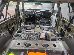 W124 HOW TO: remove dashboard + centerconsole + parts attached 3