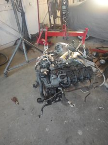 M102 engine removed. space for the V8 turbo
