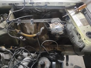 M102 engine removed. space for the V8 turbo 23