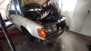 M102 engine removed. space for the V8 turbo 30